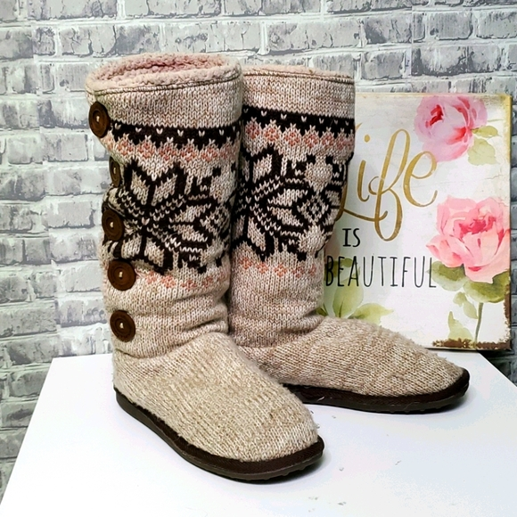 Muk Luks Tall Sweater Snowflake Button Boot Sz 10